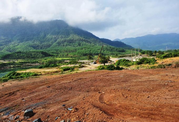 Gần 34 ha rừng trồng của huyện HIệp Đức và Tiên Phước được chuyển đổi để xây dựng thủy điện sông Tranh 4. Ảnh: Đắc Thành.