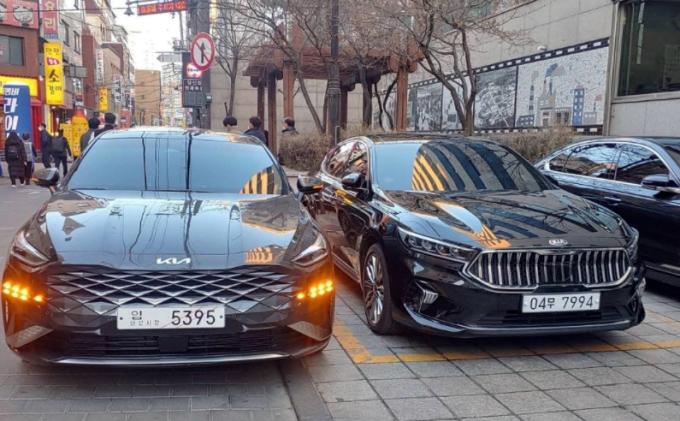K8 xuất hiện tại Hàn Quốc hồi cuối tháng 2, cạnh mẫu xe bị thay thế là Cadenza. Ảnh: Autospy