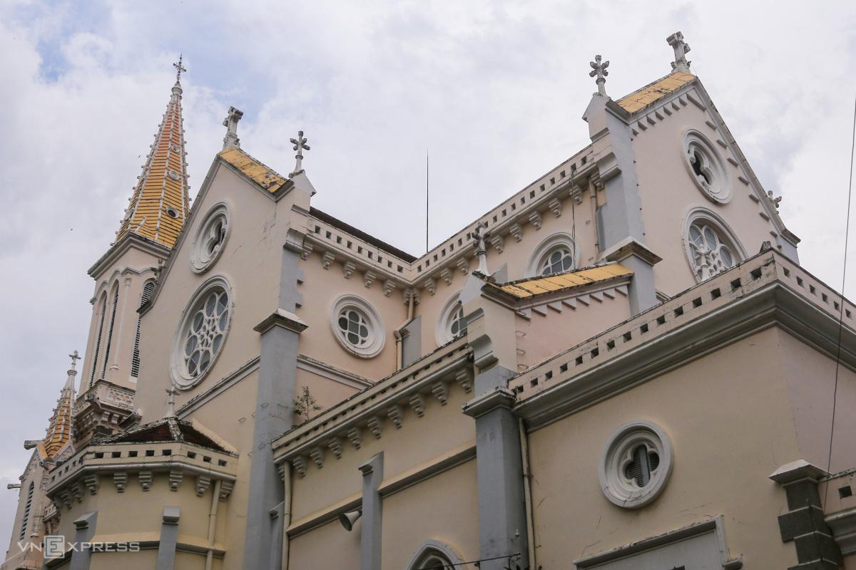 Hai nhà thờ của gia đình Nam Phương hoàng hậu - 3