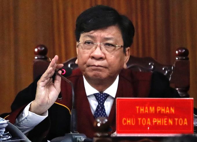 Chủ tọa Phạm Lương Toản điều khiển phiên tòa. Ảnh: Hữu Khoa.
