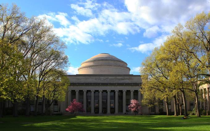 Toà nhà biểu tượng của Viện Công nghệ Massachusetts (MIT). Ảnh: Shutterstock.