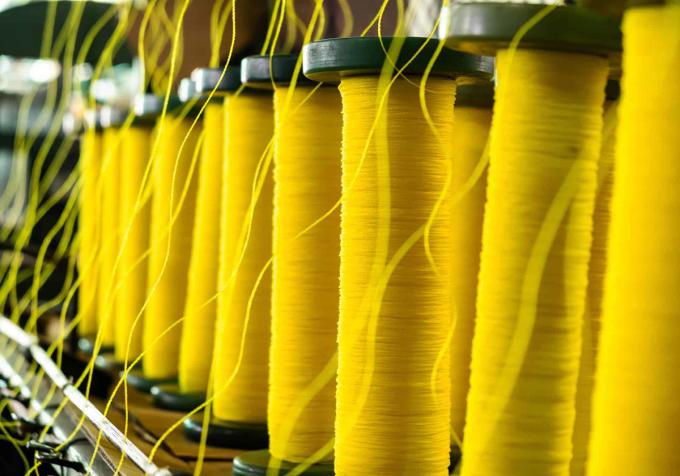 Sợi Kevlar có màu vàng. Ảnh: Sternandstern