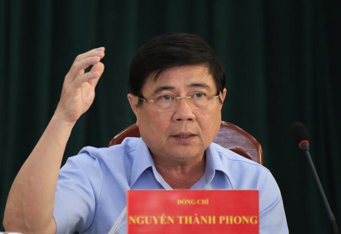 Chủ tịch UBND TP HCM Nguyễn Thành Phong phát biểu tại buổi làm việc. Ảnh: Hữu Công.