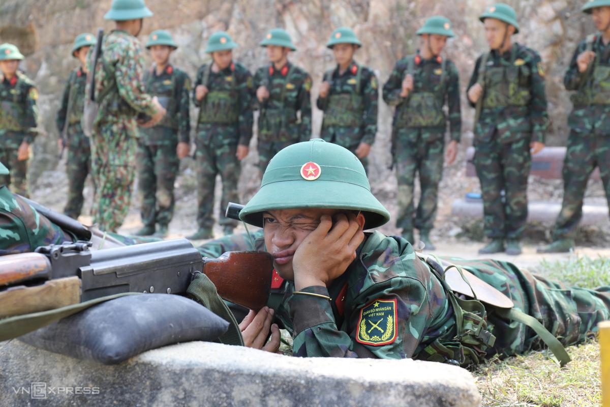 Một ngày huấn luyện của tân binh