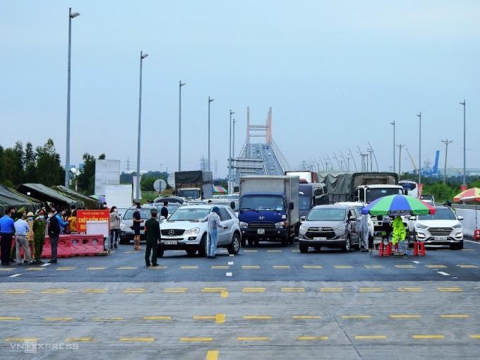 Các chốt kiểm soát ra vào tỉnh Quảng Ninh cũng đã được dỡ bỏ. Ảnh: Minh Cương