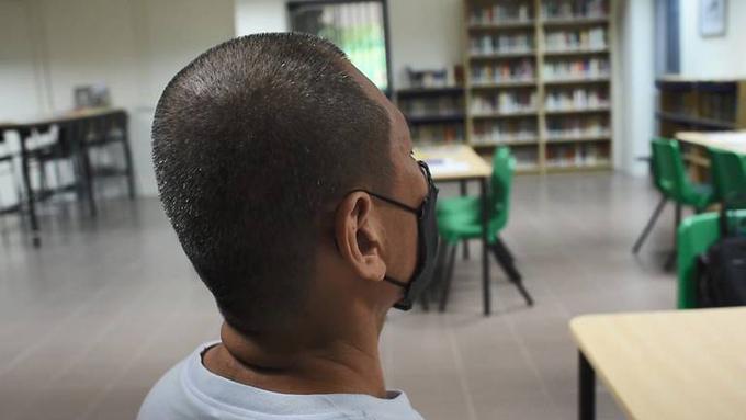 Wayne đã ly hôn và có hai con. Người đàn ông này hiện còn phải thụ án khoảng 3,5 năm tù sau khi được giảm án. Ảnh: Singapore Prison Service.