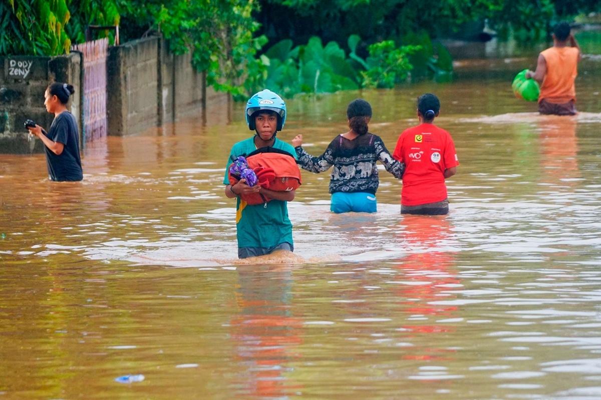Lũ quét tàn phá Indonesia, Đông Timor