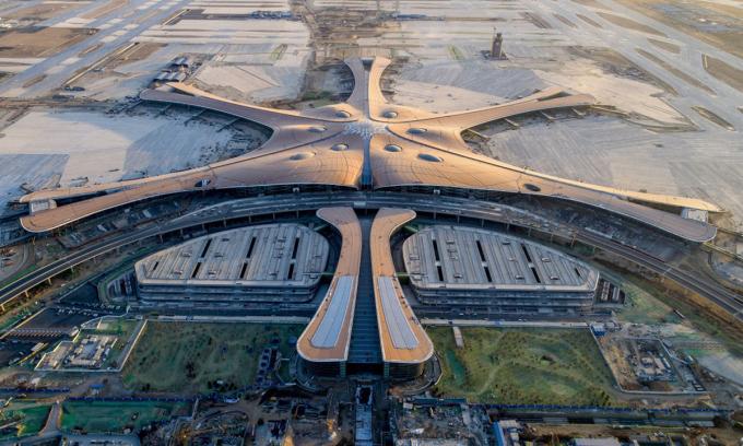 Sân bay quốc tế Đại Hưng Bắc Kinh khi đang xây dựng hồi tháng 12/2018. Ảnh: AP.