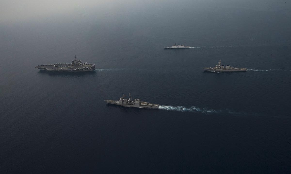 Tàu sân bay Mỹ khoe sức mạnh trong diễn tập với Ấn Độ