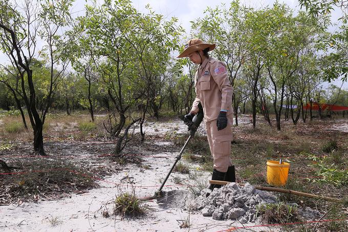 Các dự án rà phá bom mìn giúp giảm thiểu nạn nhân tại Quảng Trị, tăng diện tích đất phục vụ canh tác. Ảnh: Hoàng Táo