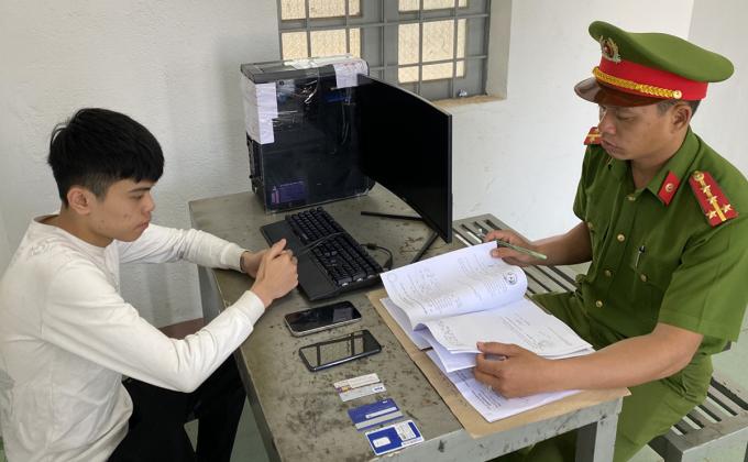 Trần Phước Vĩnh tại cơ quan điều tra. Ảnh: Thu Hà.
