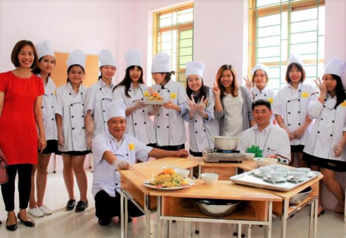Học sinh THPT Sunrise giao lưu với học sinh quốc tế khối các trường liên kết của UNESCO