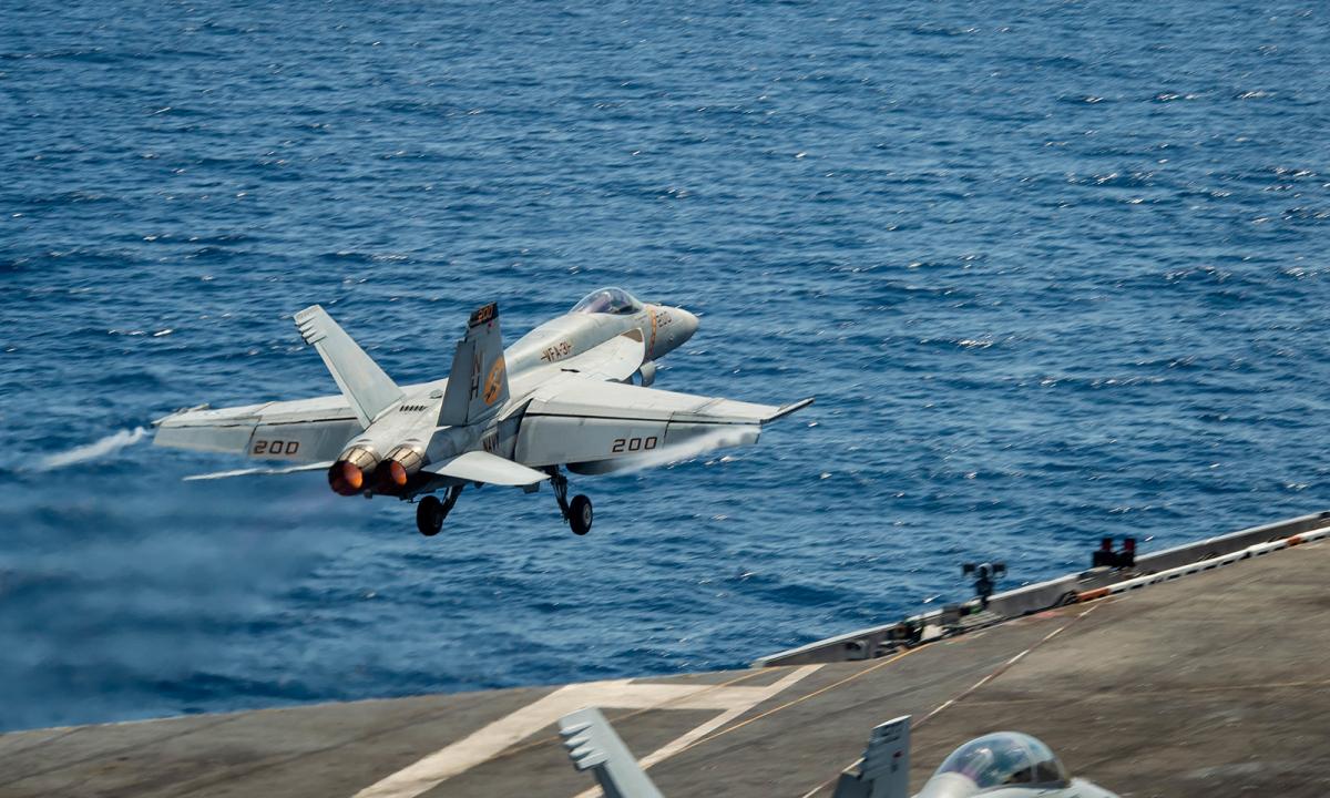 Tiêm kích Mỹ - Malaysia phô diễn uy lực trên Biển Đông