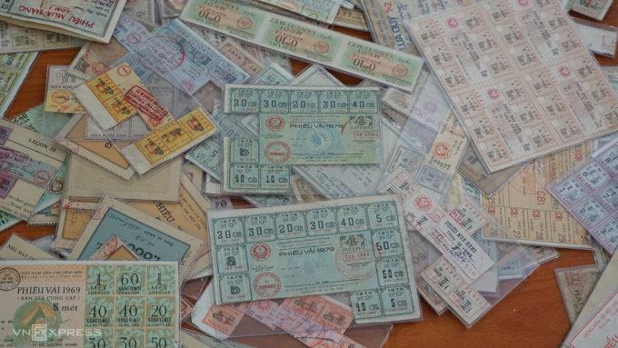 Ma trận tem phiếu một thời. Ảnh: Hoàng Phương