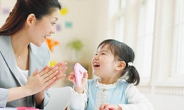 Tôi dạy con tiếng Anh trước tiếng Việt