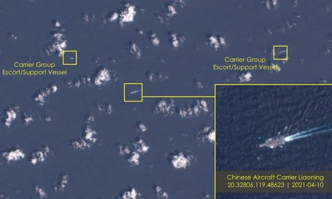 Nhóm tàu sân bay Liêu Ninh vượt eo biển Luzon hôm 10/4. Ảnh: ESA.