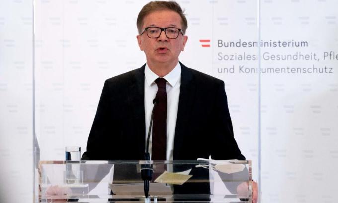 Bộ trưởng Y tế Áo từ chức vì kiệt sức