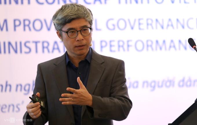 Tiến sĩ Đặng Trường Giang trình bày tại buổi công bố. Ảnh: Gia Chính