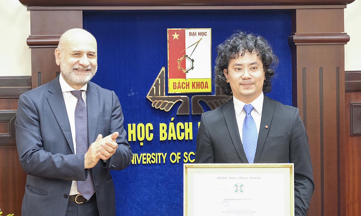 Giảng viên Bách khoa Hà Nội nhận huân chương của Tổng thống Italy