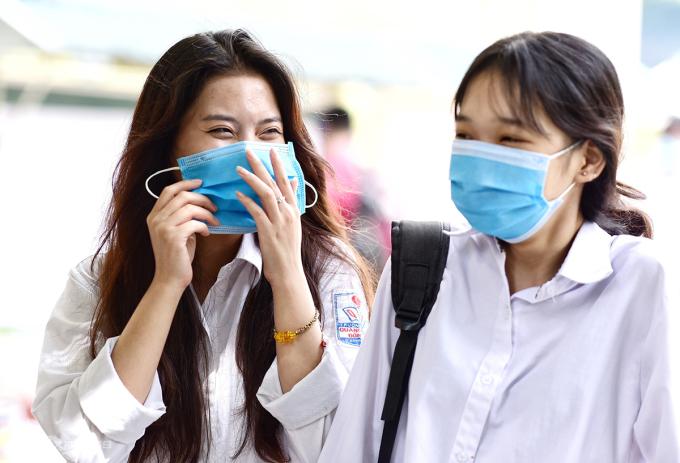 Thí sinh thi tốt nghiệp THPT năm 2020 ở Hà Nội. Ảnh: Giang Huy.