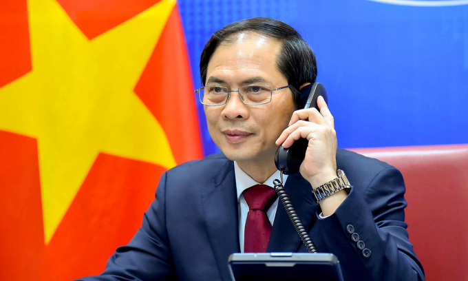 Bộ trưởng Ngoại giao Bùi Thanh Sơn điện đàm với Ngoại trưởng Trung Quốc Vương Nghị ngày 16/4. Ảnh: Bộ Ngoại giao.