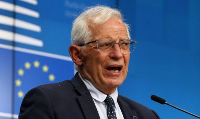Đại diện cấp cao Borrell  họp báo sau cuộc họp Hội đồng châu Âu hôm 19/4. Ảnh: AFP.