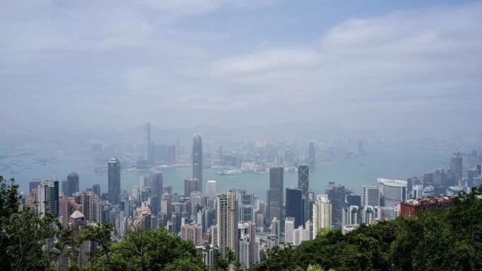 Những tòa nhà chọc trời ở Hong Kong. Ảnh: AFP.