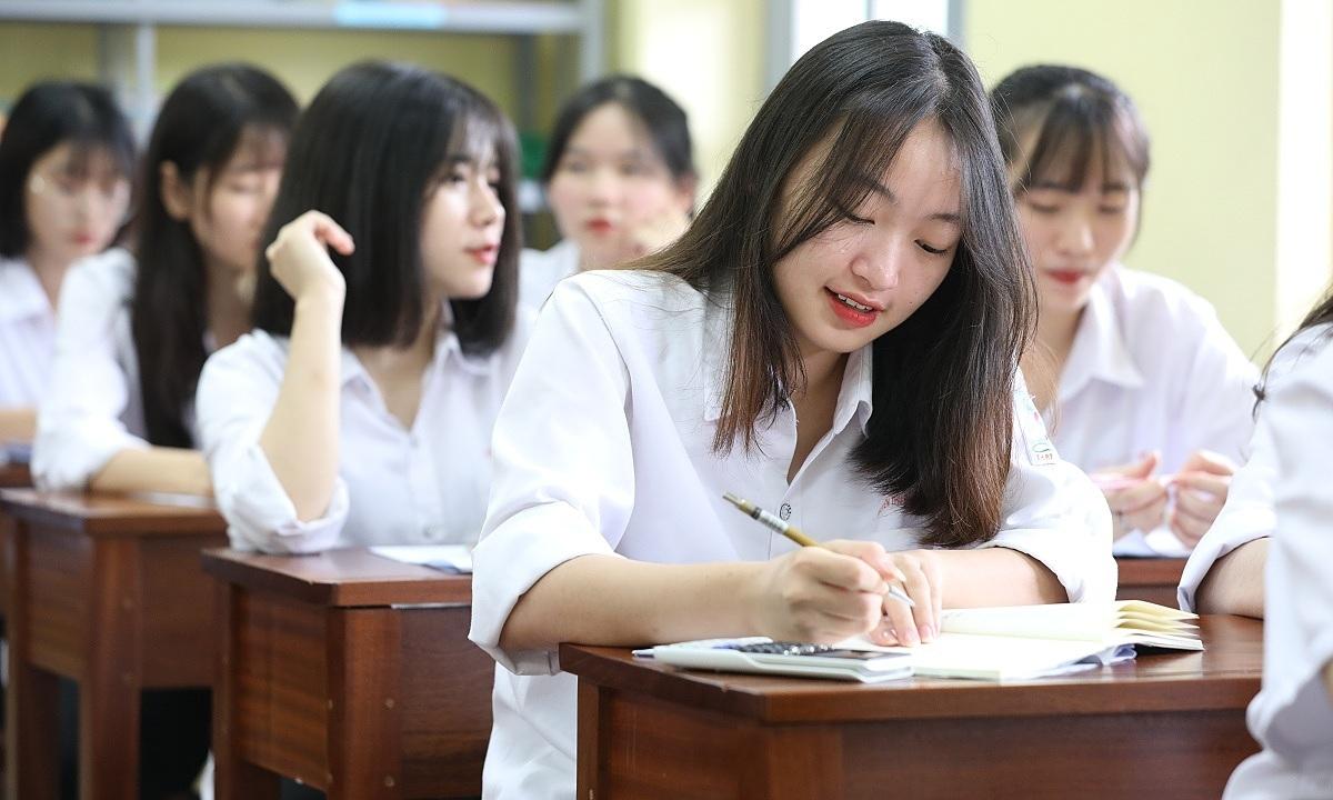 Đại học Kiểm sát Hà Nội không tuyển nữ dưới 1,55 m