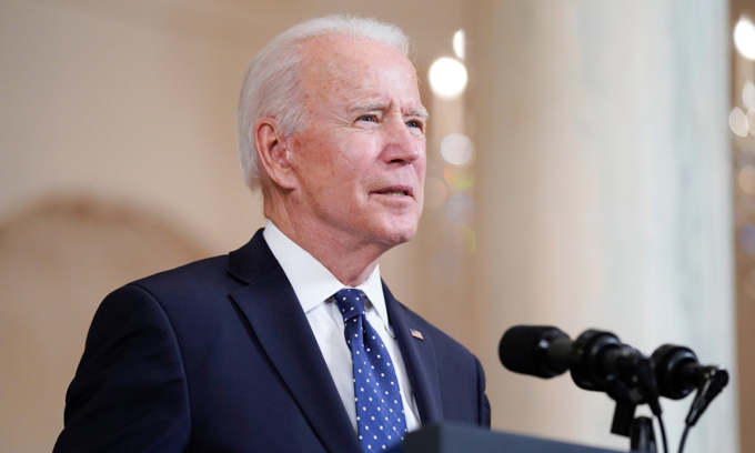 Tổng thống Joe Biden phát biểu tại Nhà Trắng hôm 20/4. Ảnh: AP.