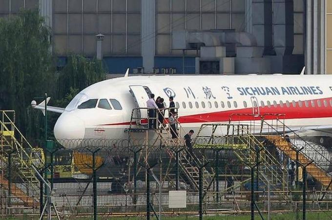 Một máy bay của hãng Sichuan Airlines. Ảnh: AFP