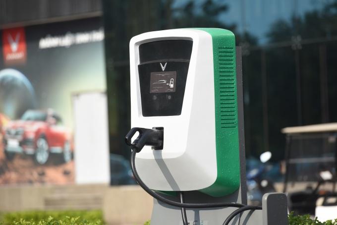 Một cổng sạc của VinFast ở Hà Nội. Ảnh: VinFast