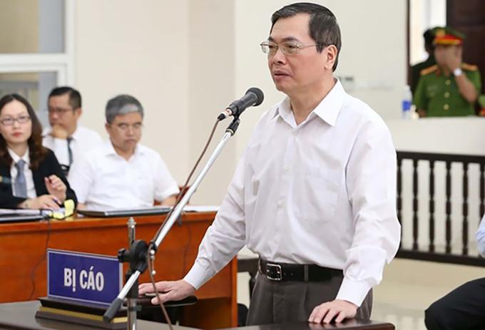Cựu bộ trưởng Vũ Huy Hoàng tại tòa. Ảnh: TTXVN.