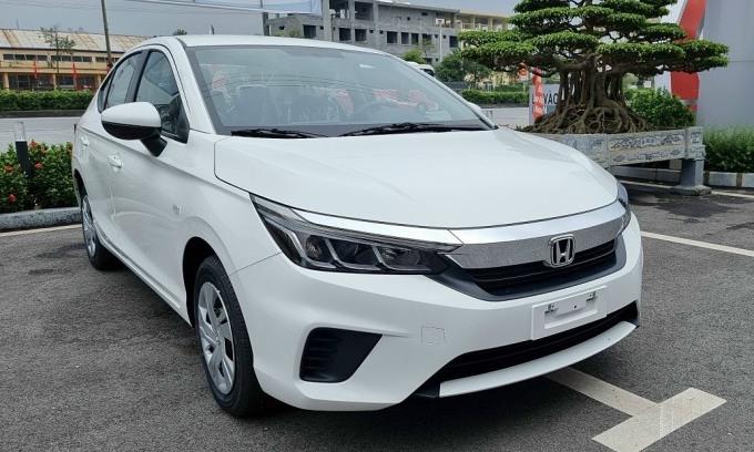 Đầu xe bản E vẫn giống bản G. Ảnh: Honda