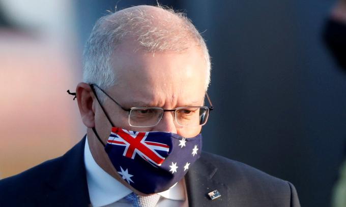 Thủ tướng Australia Scott Morrison tại sân bay Haneda ở Tokyo, Nhật Bản, hồi tháng 11/2020. Ảnh: Reuters.