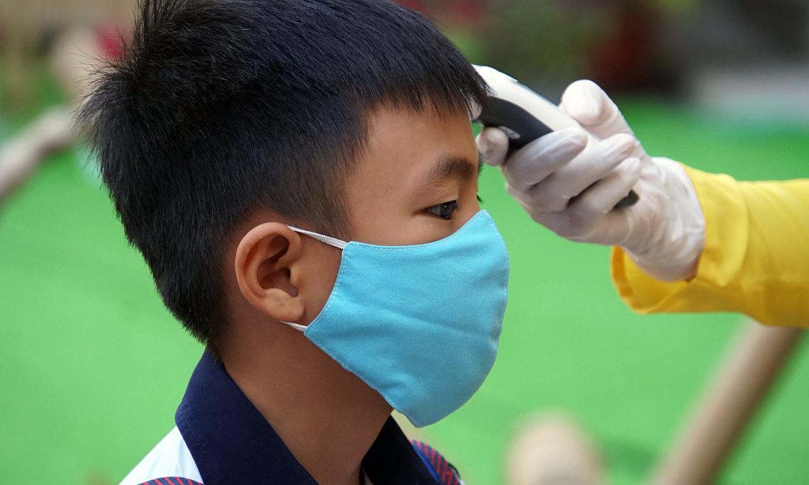 Trường ở Sài Gòn hối hả kiểm tra học kỳ để 'chạy' Covid-19