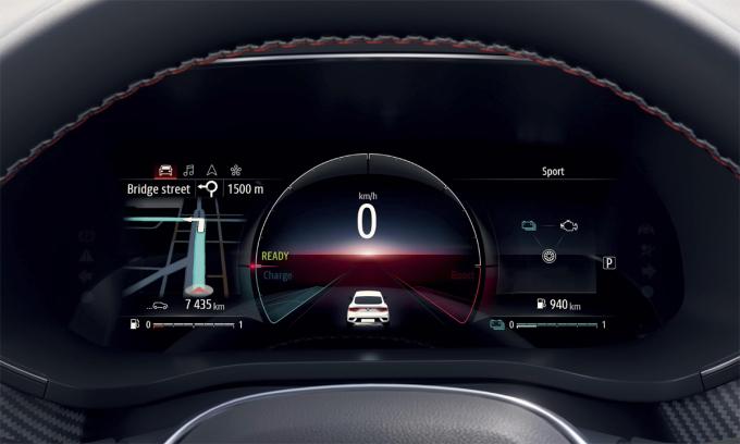 Đồng hồ kỹ thuật số trên mẫu Renault Arkana - thiết bị điện tử hiện bị thay thế bằng đồng hồ cơ thông thường vì thiếu chip. Ảnh: Renault