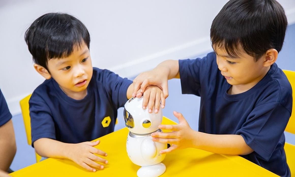 Học tiếng Anh tích hợp công nghệ tại American Learning Lab