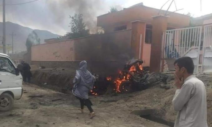 Nổ liên hoàn tại trường học, ít nhất 40 người chết