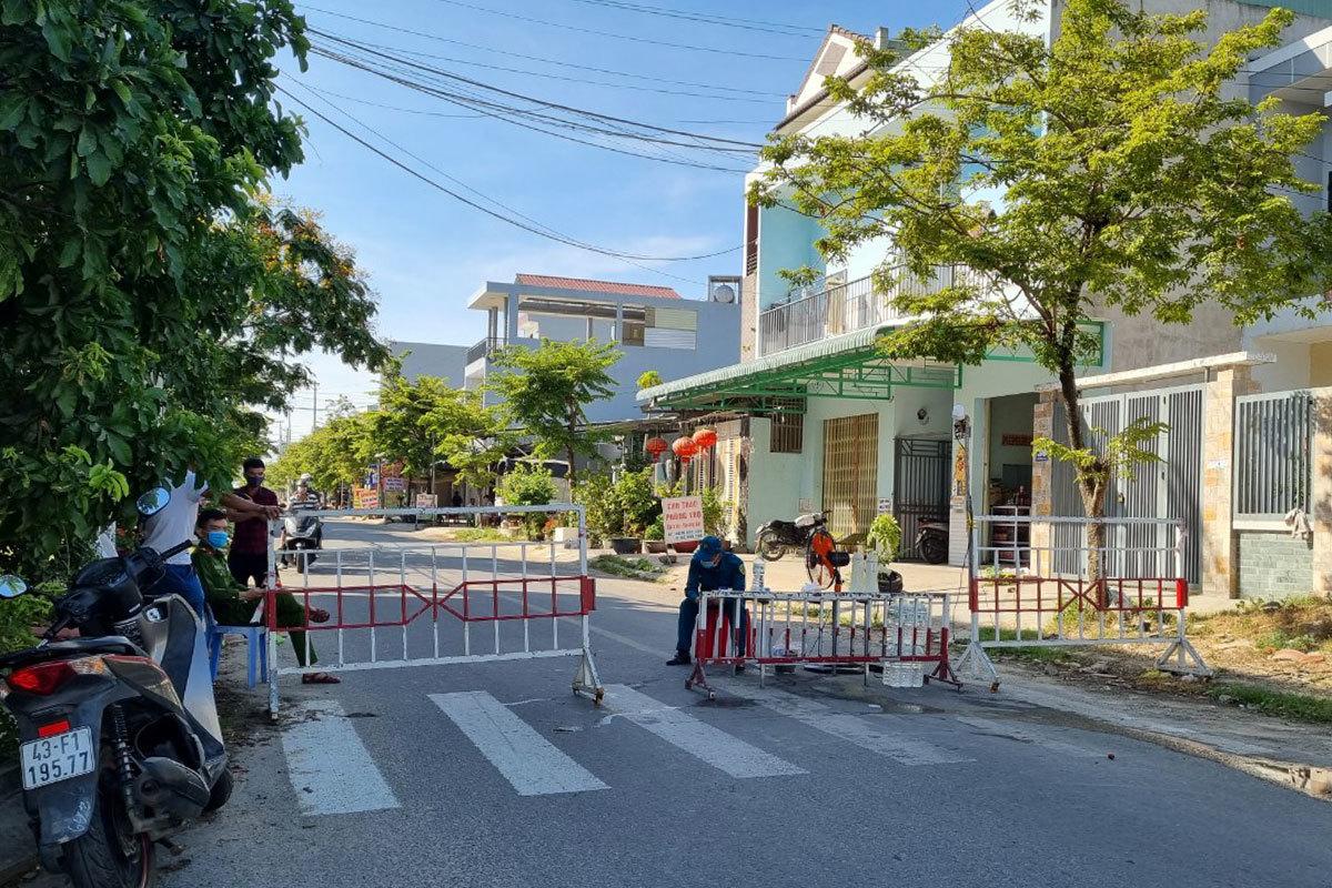 Giãn cách nhiều nơi ở Đà Nẵng, Hà Nội, Hòa Bình
