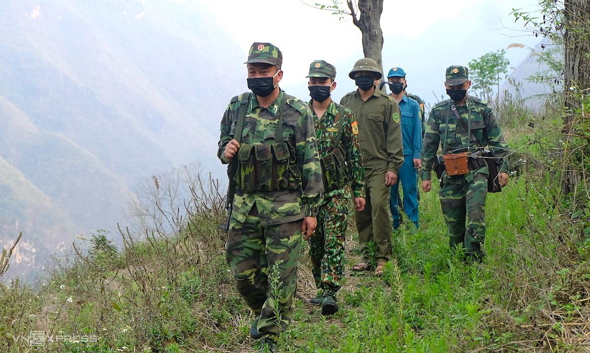 Quân đội kích hoạt chống dịch mức cao nhất