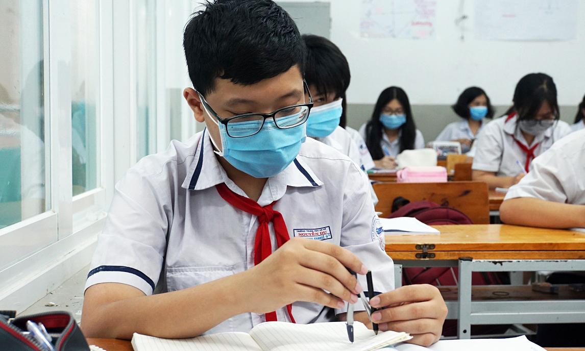 Trường ở Sài Gòn mở cửa đón học sinh cuối cấp