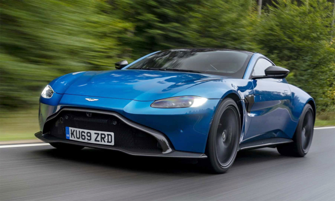 Aston Martin will ditch the manual transmission