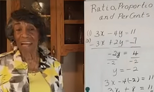 Bà lão 89 tuổi dạy Toán online miễn phí