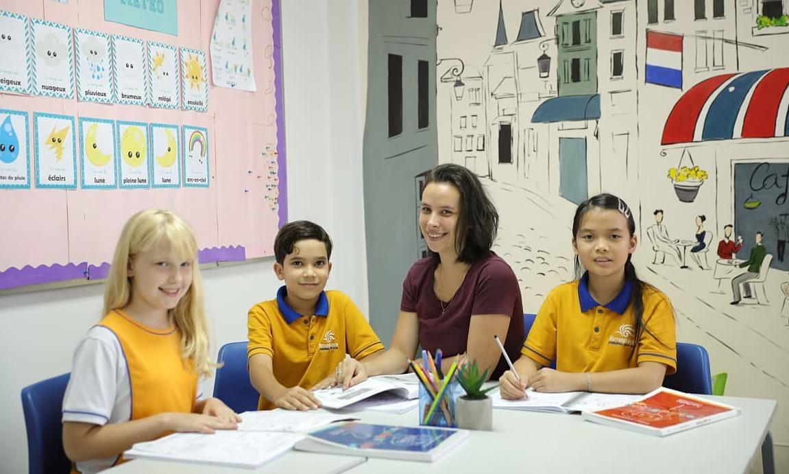 Đóng hơn nửa tỷ đồng vào lớp 1 trường quốc tế ở Sài Gòn