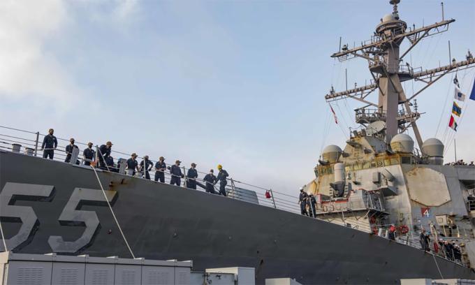 Vệt rỉ sét trên khu trục hạm USS Stout khi con tàu cập cảng Norfolk sau 210 ngày triển khai tháng 10/2020. Ảnh: US Navy.