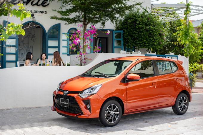 Toyota Wigo phiên bản màu cam cá tính.