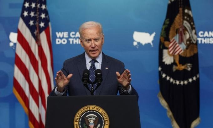 Tổng thống Mỹ Joe Biden phát biểu tại Nhà Trắng hôm 2/6 về những ưu đãi mới cho người tiêm vaccine Covid-19. Ảnh: AFP.