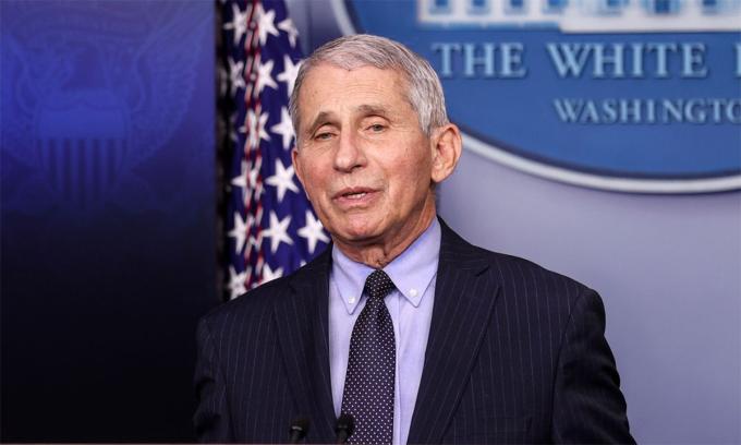 Tiến sĩ  Anthony Fauci phát biểu trong buổi họp báo tại Nhà Trắng ngày 21/1. Ảnh: Reuters.