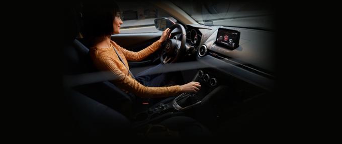 Nội thất Mazda2 mới.