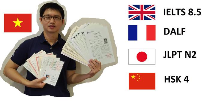 Từ một học sinh kém tiếng Anh, anh Dũng quyết tâm chinh phục ngoại ngữ này và nhiều ngôn ngữ khác.